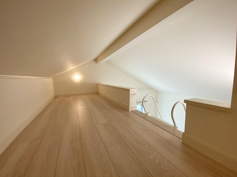 ロフトの上はお子様がワクワクするスペースです。下に収納スペースがあり、自由な部屋作りをサポートしてくれます。