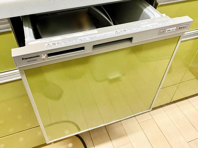 【食器乾燥機】調理後の後片付けは機械に任せて家族団欒の時間を増やしましょう♪食器洗乾燥機付きのシステムキッチンです