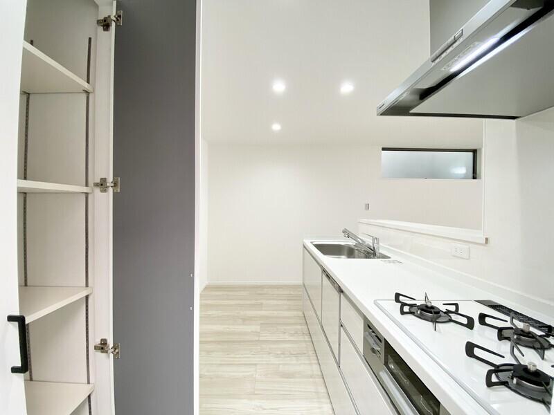 【キッチン】収納棚のあるキッチン♪