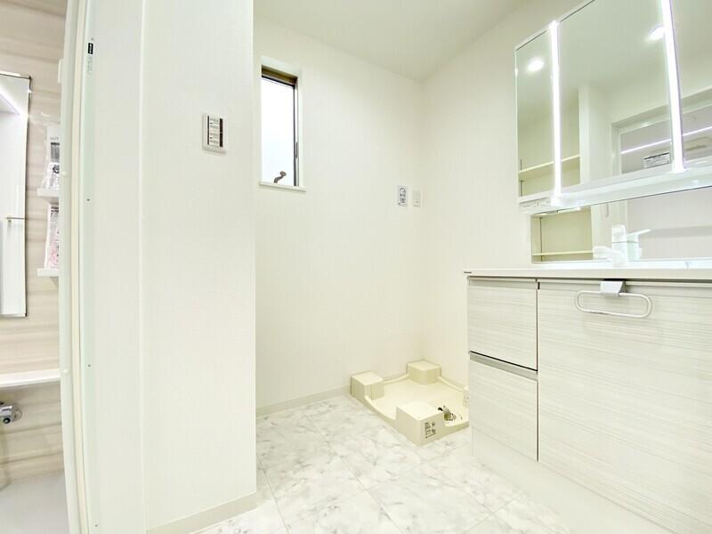 【洗面スペース】パナソニック製の洗面化粧台です♪