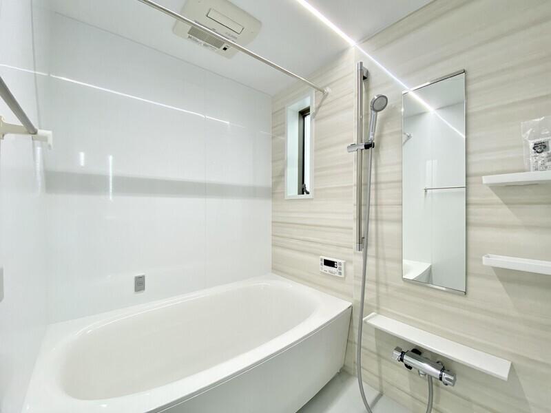 【バスルーム】浴室乾燥機も付いています♪