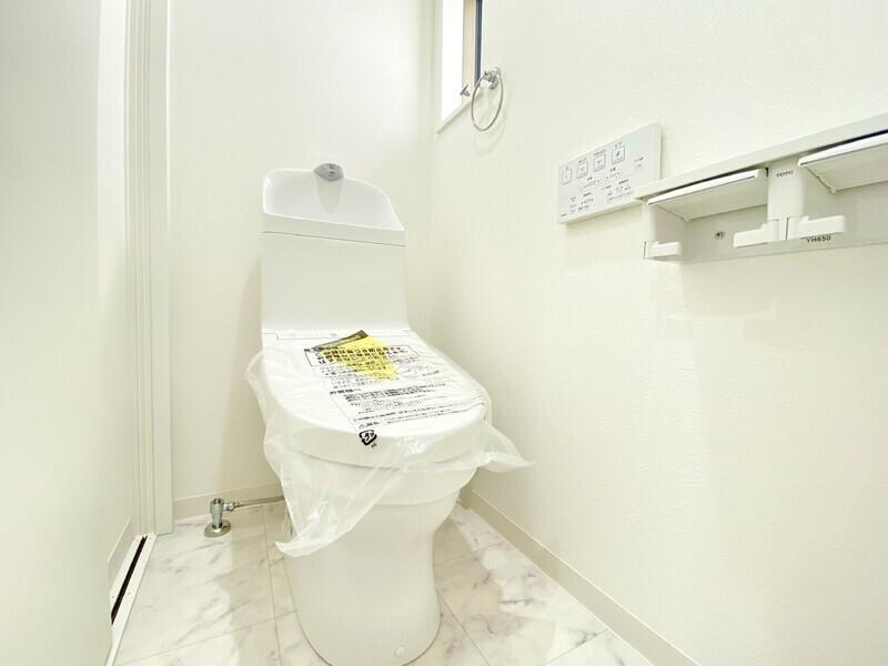 【2Fトイレ】2Fにもウォシュレットトイレ♪
