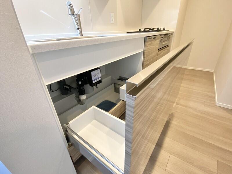 【キッチン/設備】大容量のスライド収納